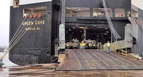 Пентагон отправляет на Ближний Восток еще одну партию танков.