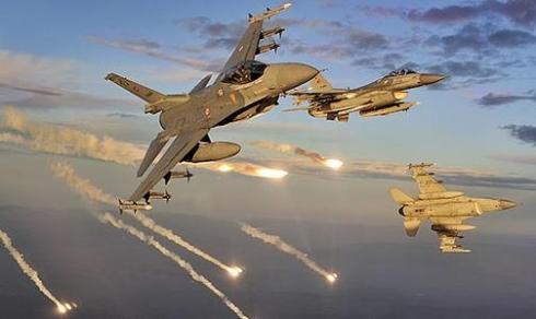 США начали в Сирии бомбардировки военных объектов Ирана.