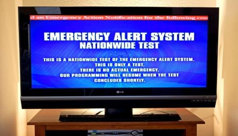 """FEMA проводит тест """"национальной катастрофы"""". Рынки падают. QAnon пугает."""