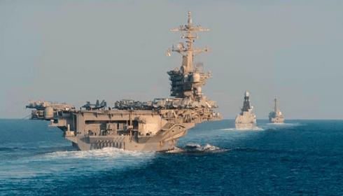 USS Harry S. Truman проходит Гибралтар.
