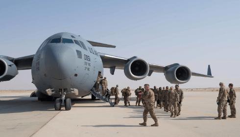 США готовятся отправить в Иран 14 000 солдат, технику и ДЕСЯТКИ кораблей.