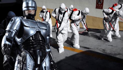 Для борьбы с пандемией на улицы выпустили Робокопов версии 1.0. TheBigTheOne.com_2887